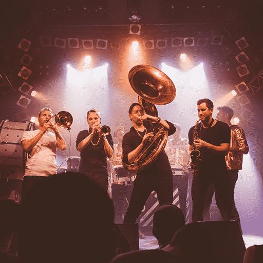 Live Brassband mit Bläser