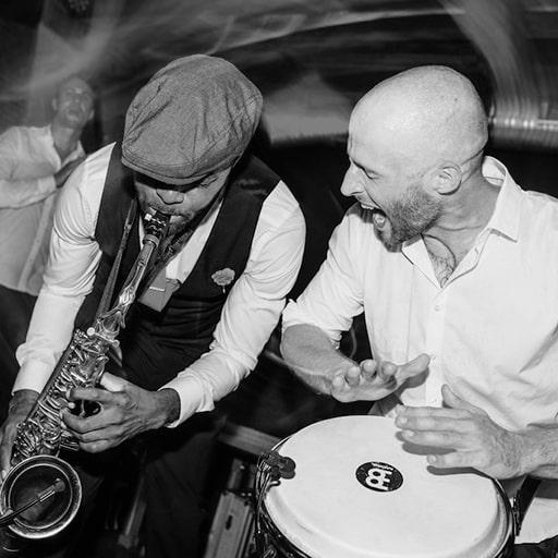 Partyband in Hamburg mit Sax und Percussion buchen